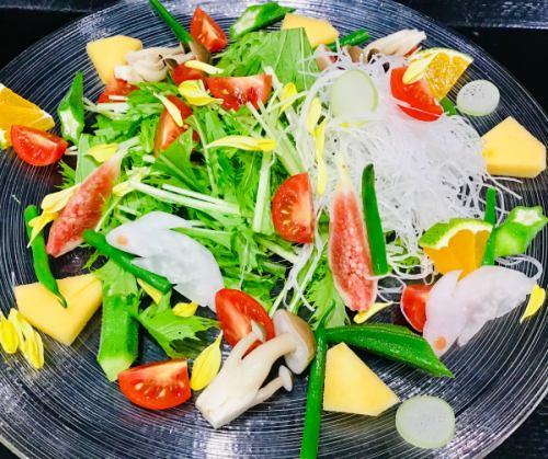 月替わりの野菜のサラダ