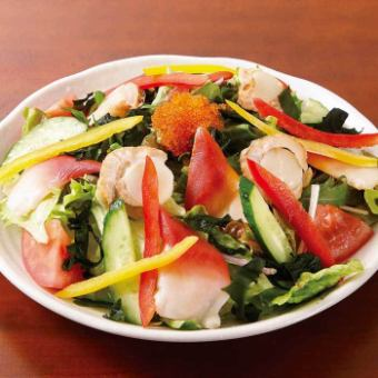 蛤蜊和扇贝的芥末味沙拉