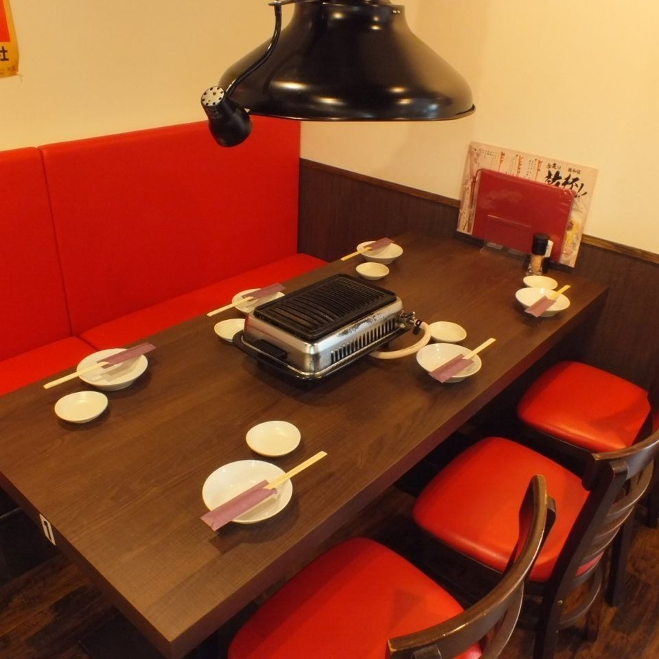 """""""6 people × 4 tables"""" Available from 3 people.You can use it by side when you use it in groups."""