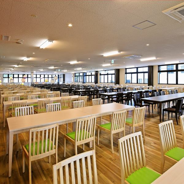 【2nd Floor: Group Dedicated Banquet Hall】 The 2nd floor of the prefecture has 376 seats for the biggest banquet space in the prefecture! 10 people ~ Receiving possibility ♪ Sightseeing, organized by group from outside the prefecture, school excursion, within the prefecture Please use it for large social gatherings, lunch party etc in!
