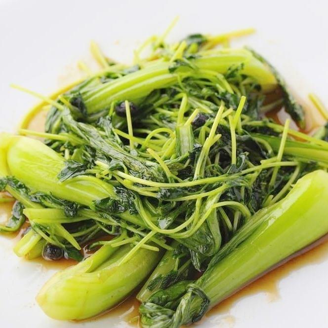 Stir-fried shakujaki bean seedling