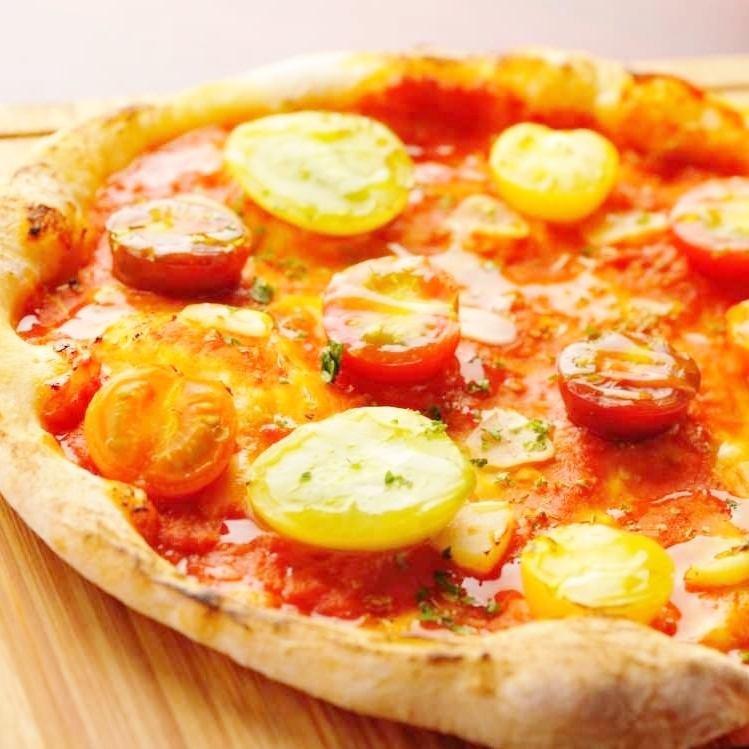 Margherita with tomato and mozzarella