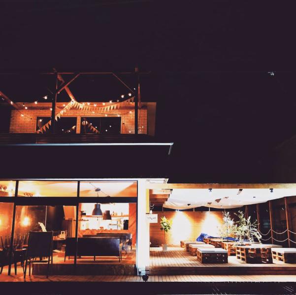 Dinner timeのTERRAST雰囲気が違う夜のTERRATもぜひ!こだわりのお食事と充実のドリンクで素敵な時間をお過ごしください!