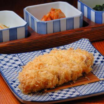 国産銘柄豚ロースかつ定食 120g