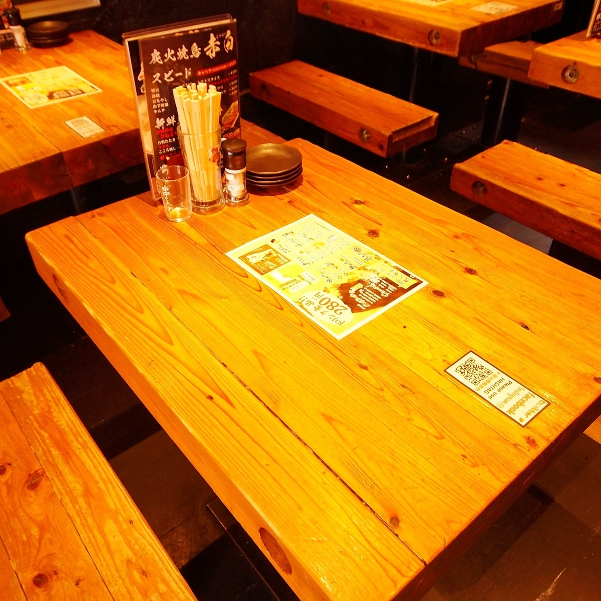 Popular izakaya with a crowd ♪ It is a perfect table seat for everyone to have fun because the seats and the seats are close!