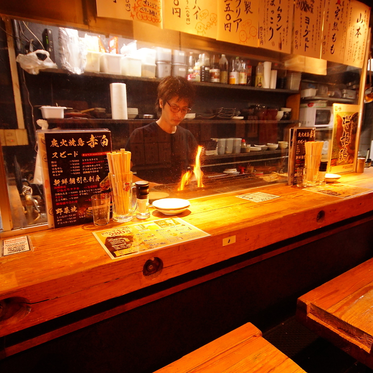 It is a counter seat full of live feeling that you can see where you are burning with charcoal fire! Speak with the staff and stay long-awaited ♪