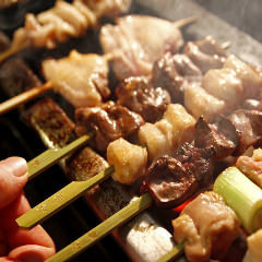 Charcoal-grilled yakitori was baked with high-end Bincho charcoal!