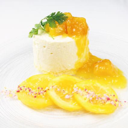 ·甜點·奶酪慕斯和芒果咖哩果醬