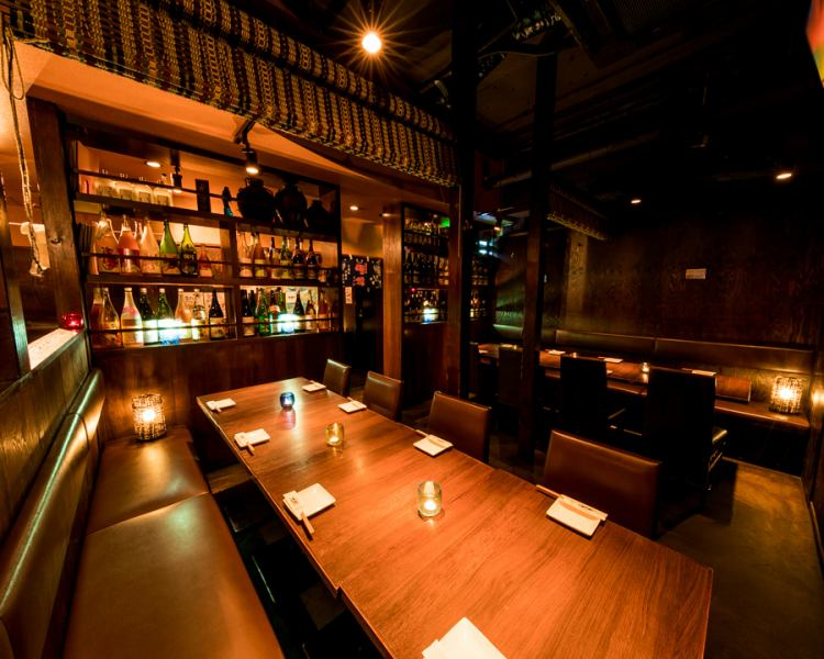 "Inside a bit of a Moody ◎ Inside a fashionable store ♪ You are drunk for drinking ~ ♪ The pale light of indirect lighting using Ryukyu glass plugs in the atmosphere the atmosphere is preeminent Banquet up to 2 to 70 people OK! Shochu 50 species · It boasts a huge lineup with 50 Awamori plums and 100 plum wines only ""♪"""