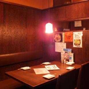 [桌子上的私人房間] 4/6/8/10至20人可以聚會的私人空間。我們將根據人數引導您到座位。