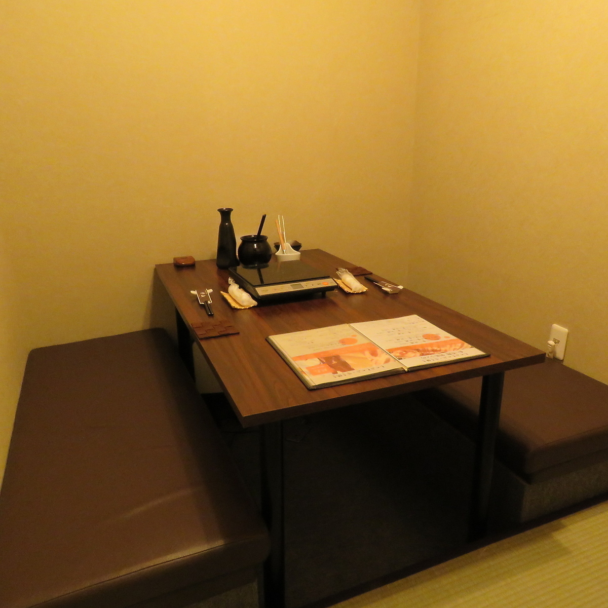 Ideal for dating.Please spend relaxing in a calm private room.