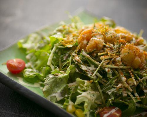 海鲜沙拉配自制蛋黄酱