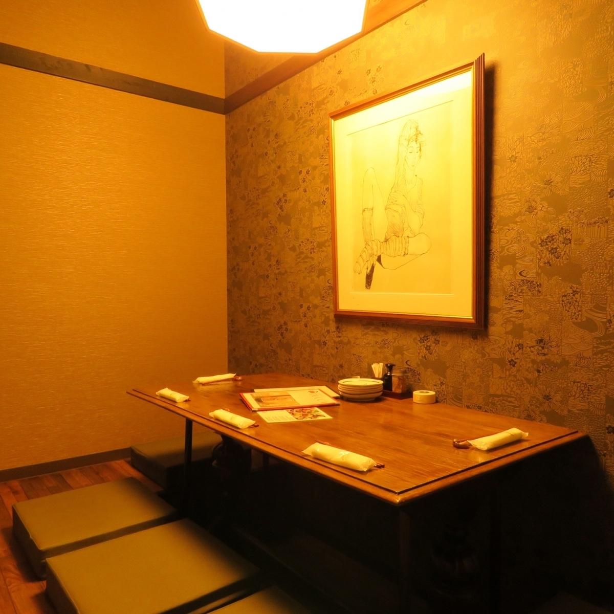 2至12人多个房间。2小时无限畅饮3,500日元〜。有100个宴会空间。