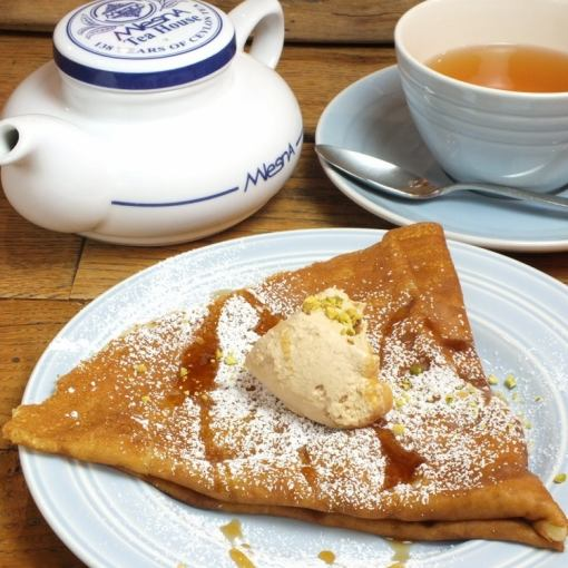 ※ Tea time limited from 14 o'clock to 18 o'clock every day ♪ 【Tea free + crepe set】 → 1580 yen (+ tax)