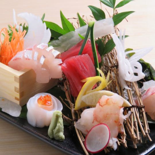 【2 hour drink all you can eat as you can 4500 → 4000 yen】 8 dishes such as assorted sushi platter and soup made platter