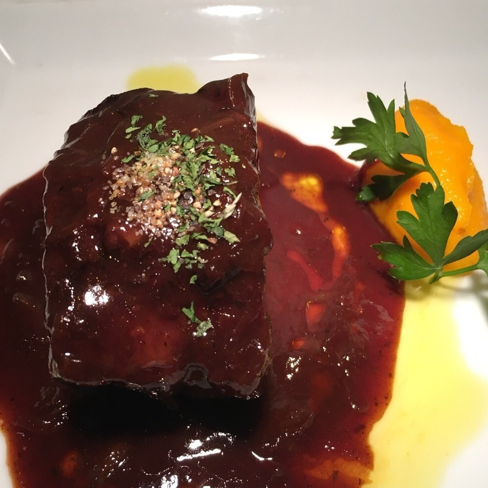 Braised beef red wine