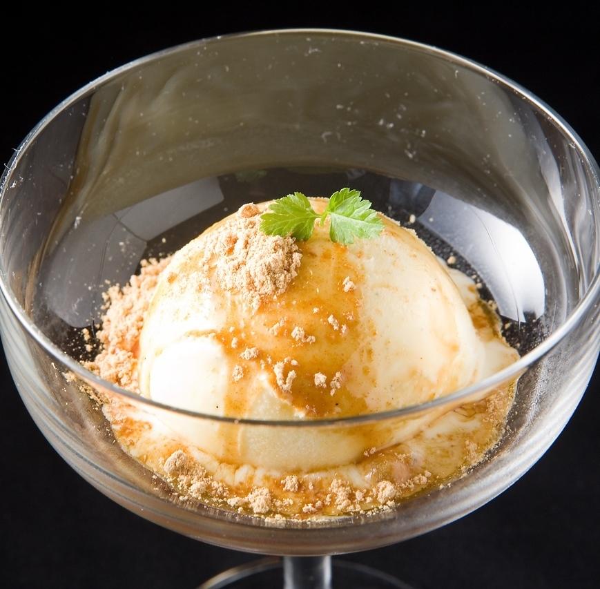 黑蜂蜜鸡香草冰/提拉米苏冰