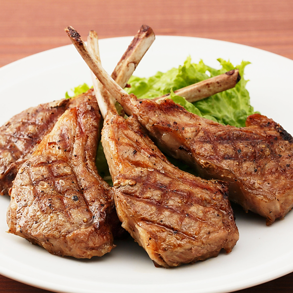 Grill of New Zealand lamb chops