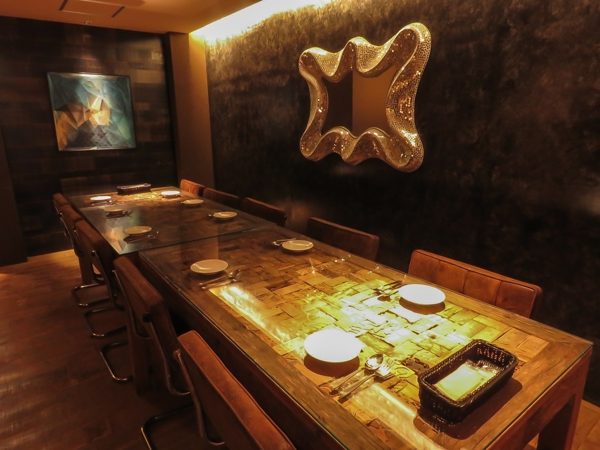 【2F】 Seats popular for small to medium number banquets up to 14 people.Private room space that you can enjoy without worrying about surroundings.