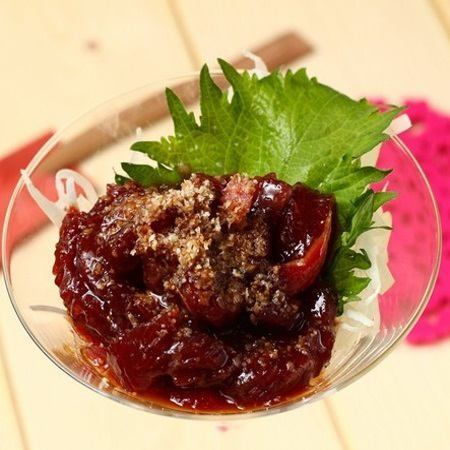 There are various kinds of Yukke, including chicken thigh, scissors, tuna and so on · · ·