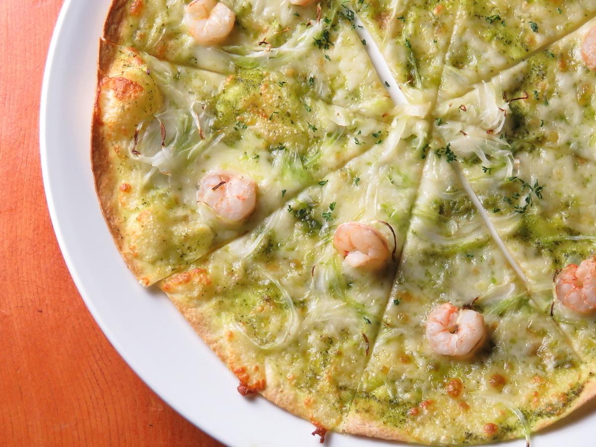 새우와 바질 피자