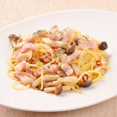 빤체타와 버섯의 페페 론 치노