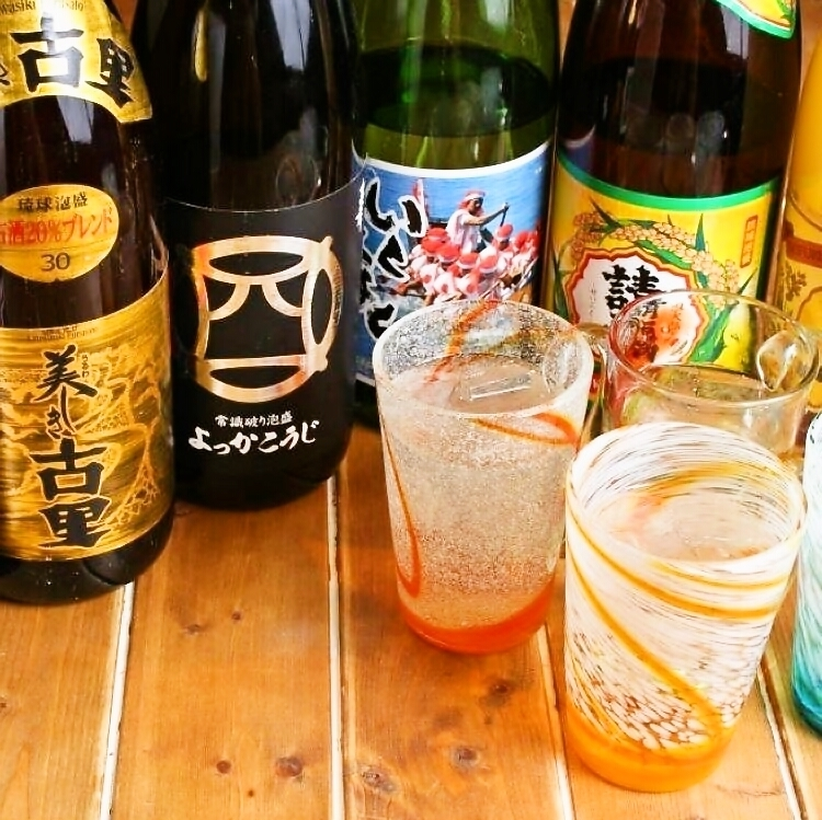 From the royal road to the rare one.Overwhelming lineup of awamori!