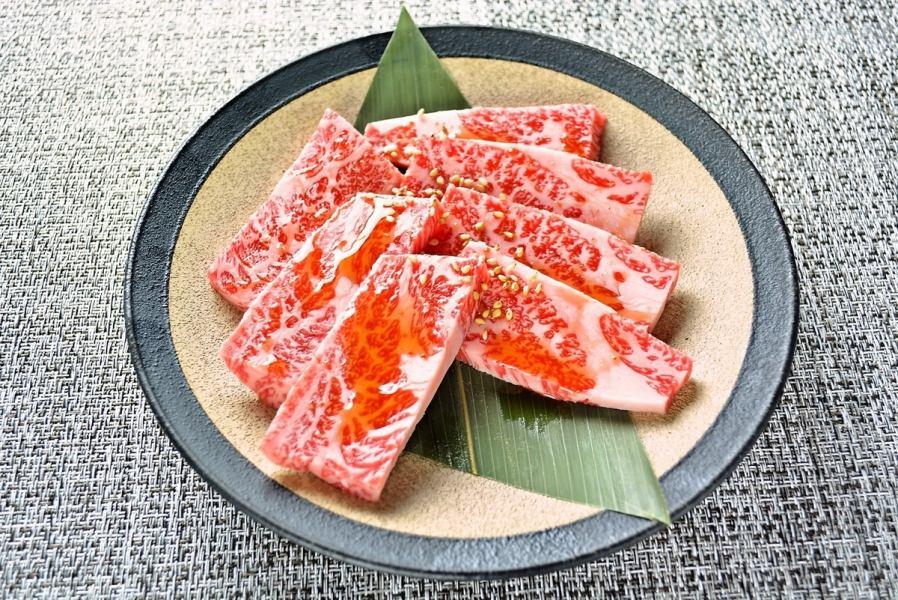 贅沢な味わい…「網乃雫上カルビ」!