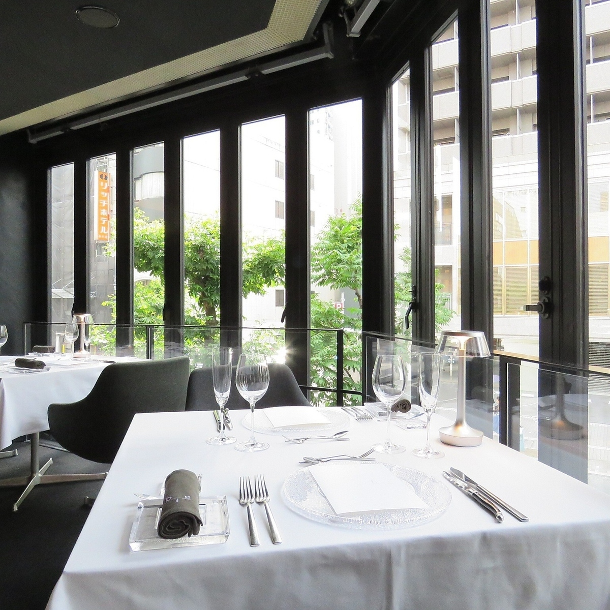 We are particular about silver and napkin so that we can enjoy meal in high-quality space.