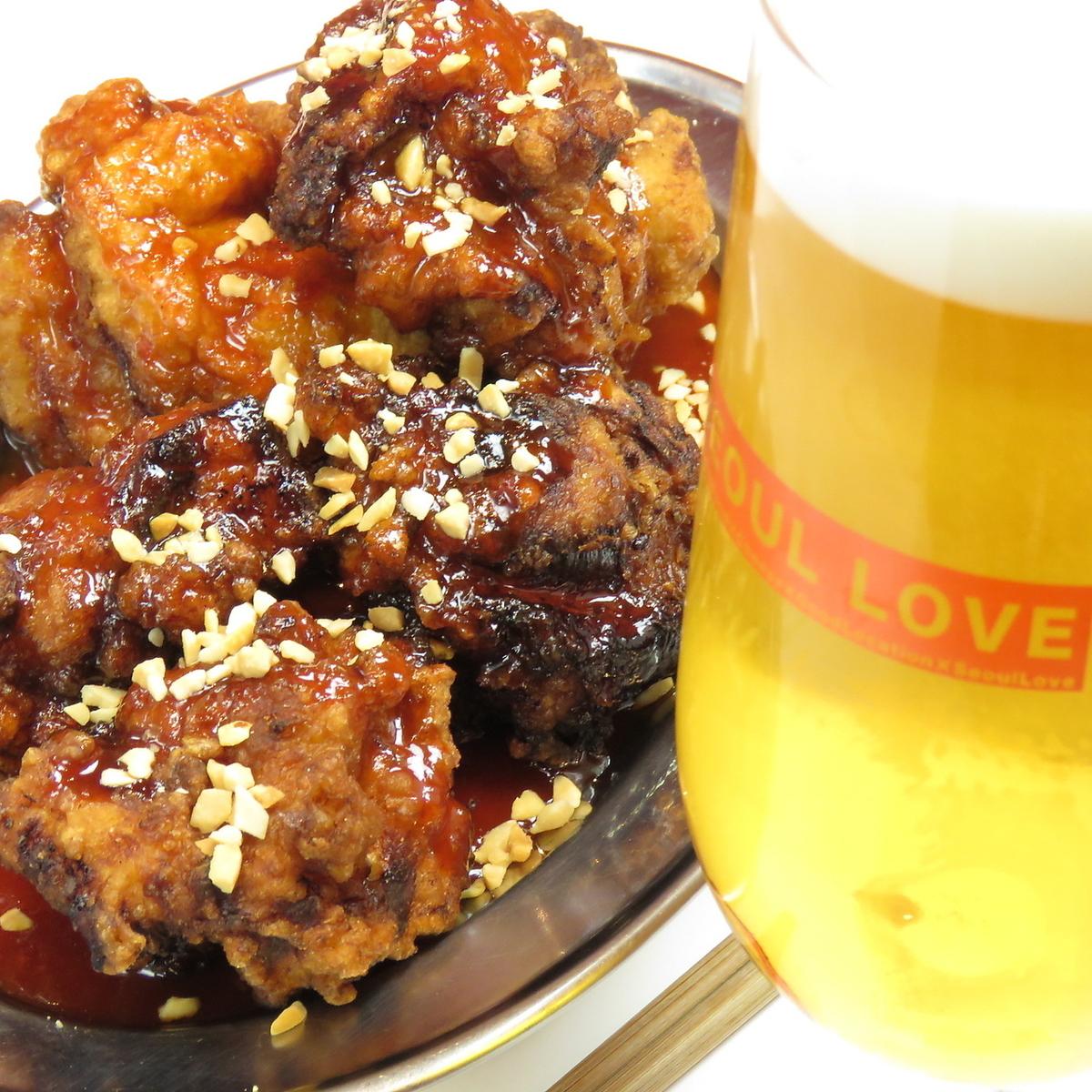 ビールとヤンニョムチキンの組み合わせは最高!