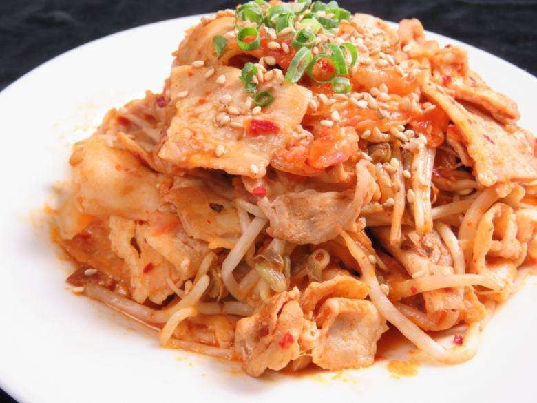 Fried pig kimchi