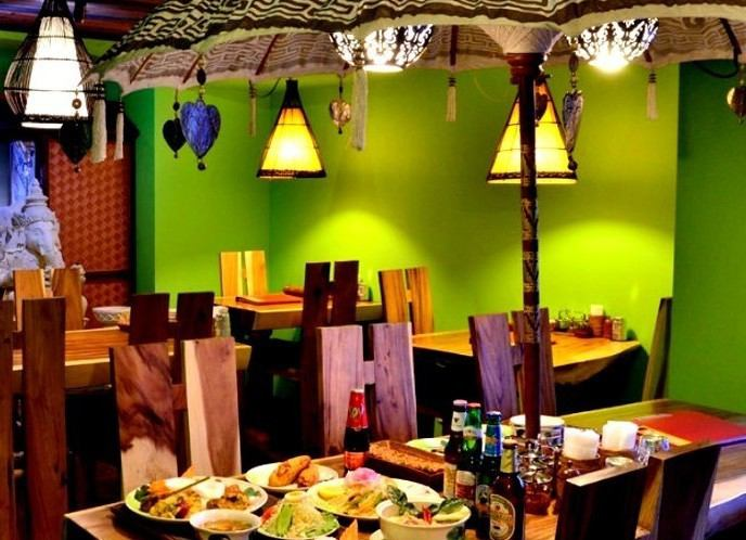 Tropical dining hall where you can enjoy authentic Thai dishes and Balinese cuisine at Kawaramachi ★