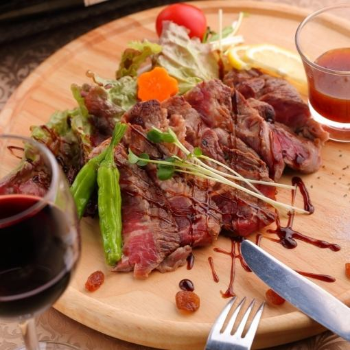 """""""超豪华""""的牛排所有你可以吃当然2小时喝无限与3980日元"""