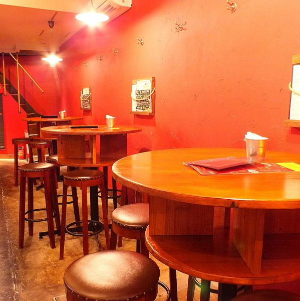 Table seat is a fancy round table and it is also good to drink ★ Recommended for adult dating ♪