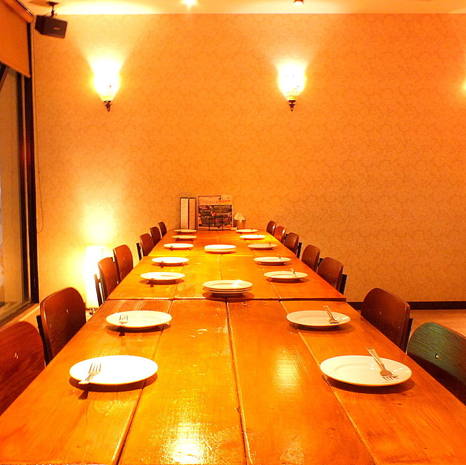 Table seat (2 F: 2 people up to 32 people can be accommodated)