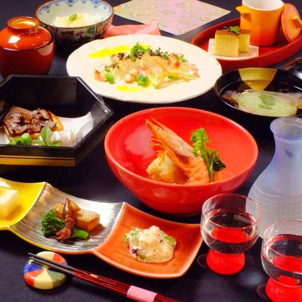 A lot of delicious dishes.Course from 3800 yen ~ available