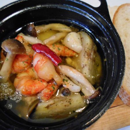 Ahijo虾和蘑菇