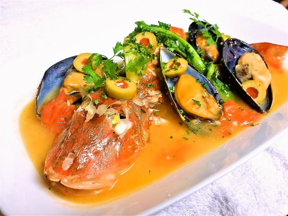 産直鮮魚のアクアパッツァ仕立て