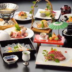ランチは1230円~、昼会席コースは4100円~多数ご用意。