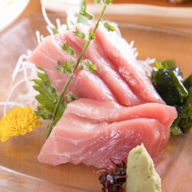"""A gem that boasts of selling out and disapproval! """"Toro sashimi in this tuna"""""""