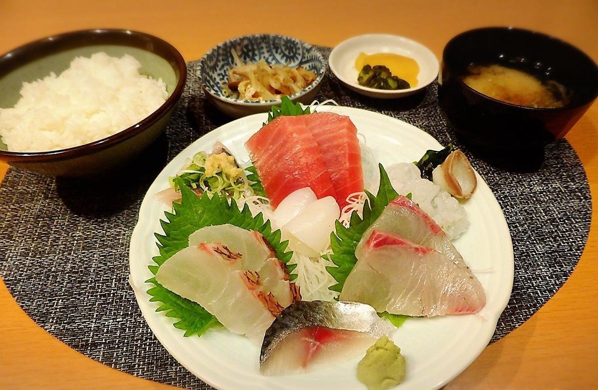 Assorted sashimi set menu