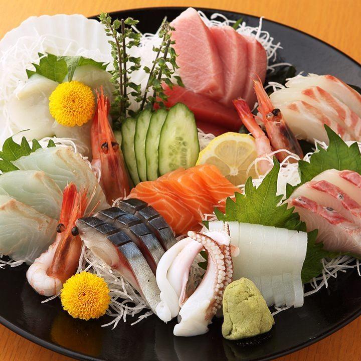 什錦生魚片9分(3至4份)