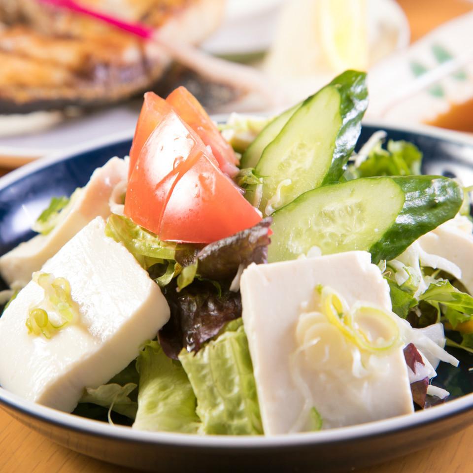 国産大豆100%豆腐の豆腐サラダ/大根サラダ