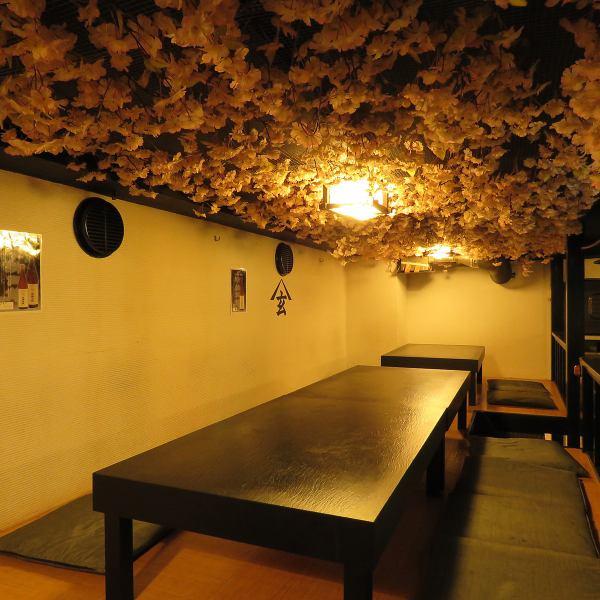 【30包机就OK】挖掘展位最多可容纳80人,非常适合公司宴会,校友会和锣鼓。布局可根据人数自由更改,包机最多可容纳140人。还有一张为宴会量身定制的优惠券,如免费经销商免费优惠券,请使用日本成人空间举办各种宴会和派对。