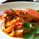移民蟹的番茄奶油意大利面