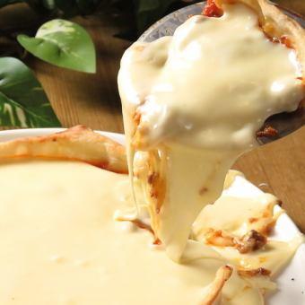 話題沸騰!!とろーりチーズのシカゴピザ