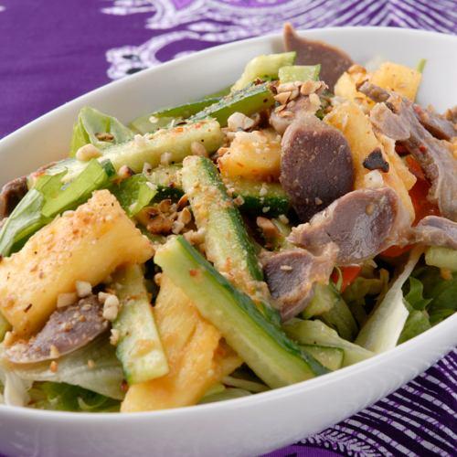 인도네시아 식 더운 야채 샐러드 / 파인, 오이, 모래 주머니 무침