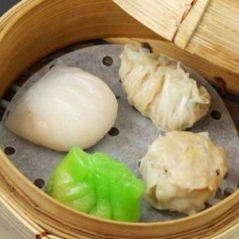 Four kinds steamed dumpling platter