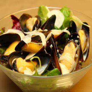 Fisherman style sautéed mussels