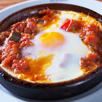 Flamenco egg of semi-egg